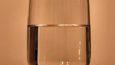 Bicchiere mezzo pieno o mezzo vuoto? Fai un test per scoprirlo!