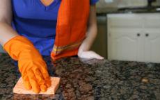 Marmo: come pulirlo e lucidarlo