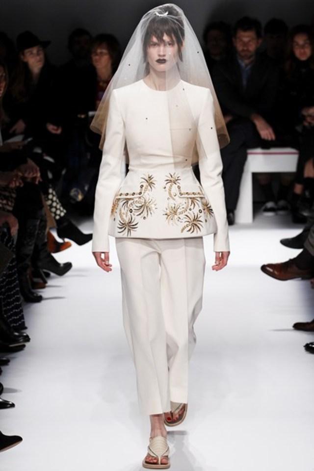 Abiti da sposa haute couture parigi 2014 for Haute couture suits