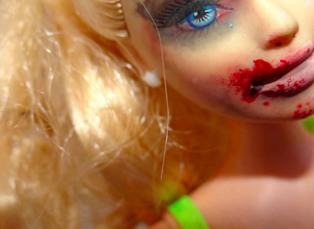 barbie-violenza-sulle-donne1