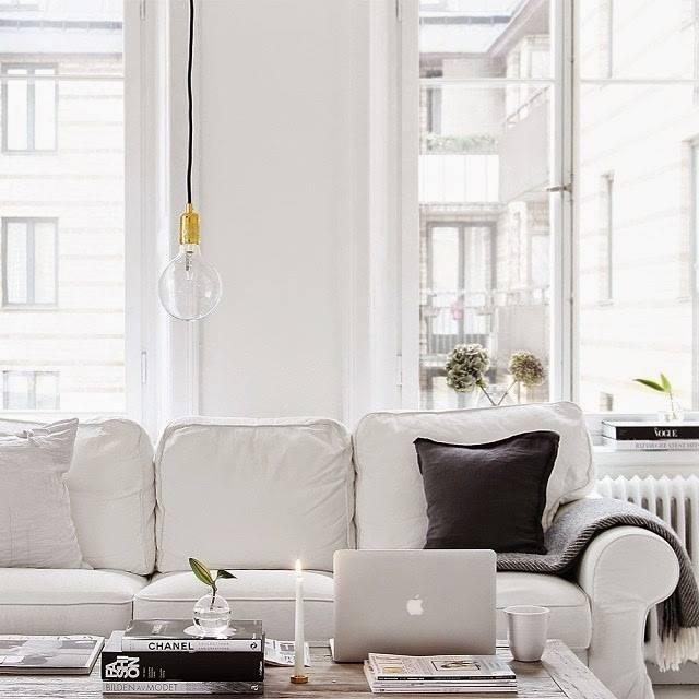 un divano per lavorare da casa