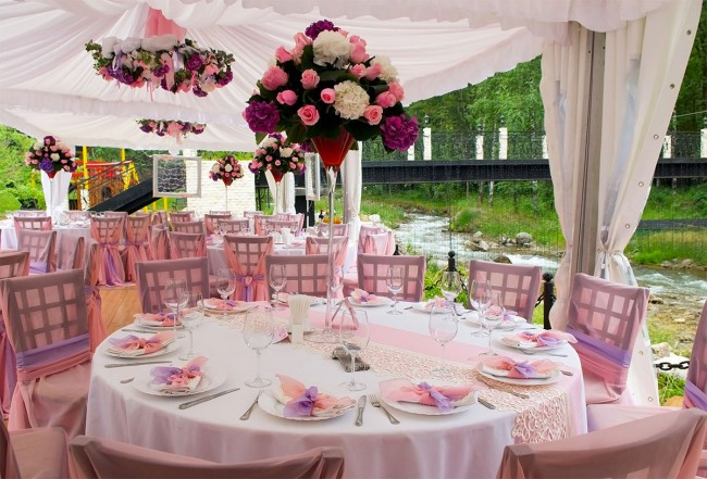Outdoor-pink-wedding