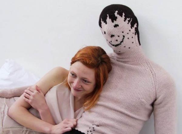 un boyfriend cucito nella casa dei single