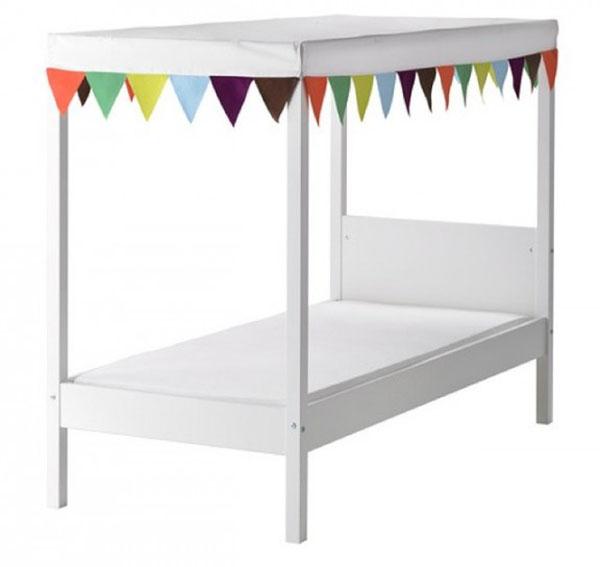 letto a baldacchino di design by Ikea