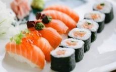 arte di mangiare il sushi