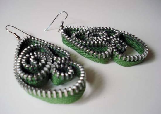 Creare gioielli con materiale riciclato
