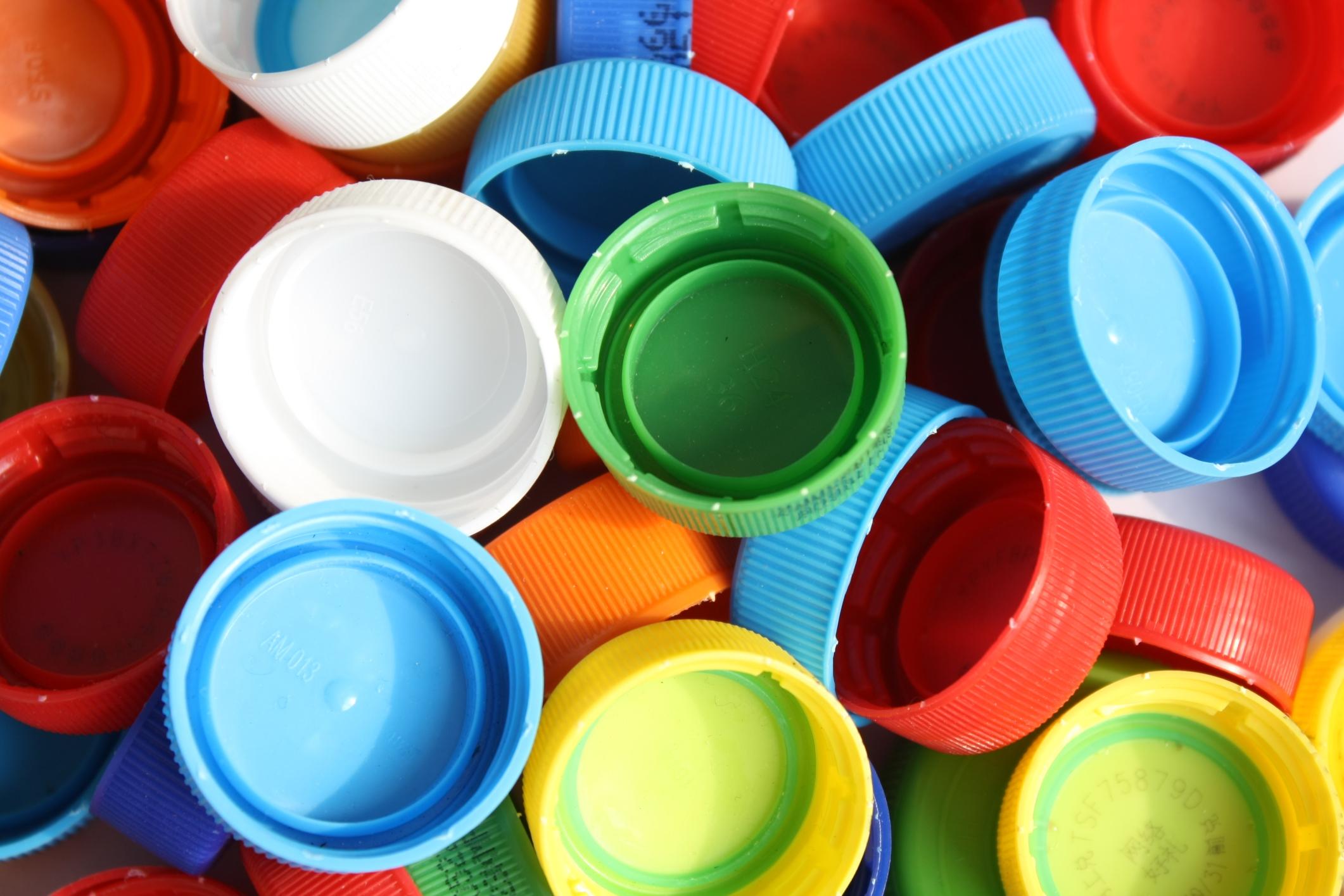 Riciclare tappi di plastica