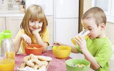 come insegnare il bon ton ai bambini