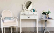 Come scegliere il Vanity Table? Idee e consigli per lo stile giusto