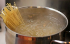 riciclare l'acqua di cottura della pasta