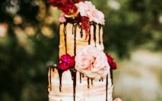 Torte nuziali originali: dalla drip cake alla gravity cake